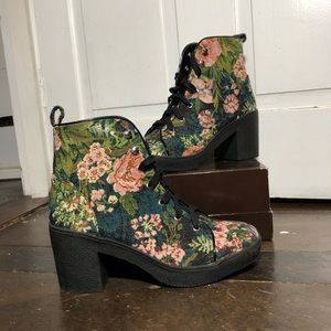 steve madden flower embroidered booties